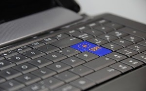 laptop-3233780_1920(1)